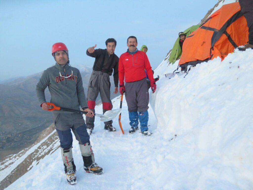 برگزاری اردوی آمادگی تیم کوهنوردی کارل مارکس