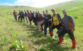 صعود گروه کوهنوردی ساوالان شهرستان میاندوآب به قله ۲۷۰۰متری  قره داش